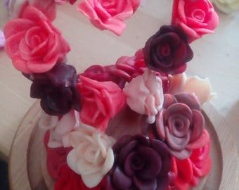 Heart shaped roses in bell jar