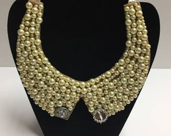 Bib necklace for a girl