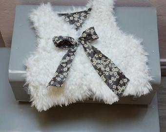 Sheep vest and liberty mitsi gray