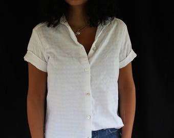textured white cotton short sleeve