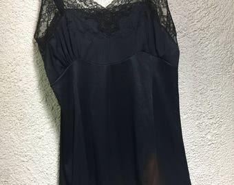 Black short slip w/ lace accents Size 38