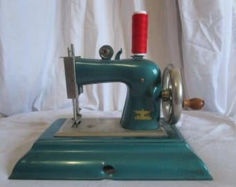 Casige toy Antique Sewing Machine cc 1940 Germany