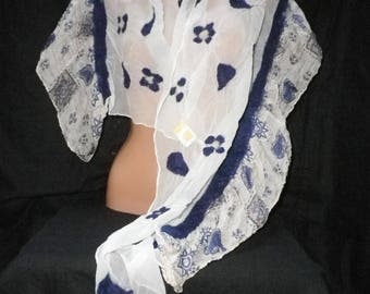 Nuno felted scarf, shawl, silk scarf, scarf, befilzter scarf with frills, Hårruller in blue and white