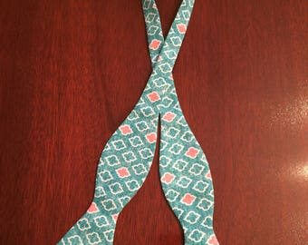 Classic Teal Quatrefoil Bow Tie