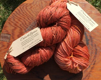 laine teinte à la main orange fingering 100% merinos superwash