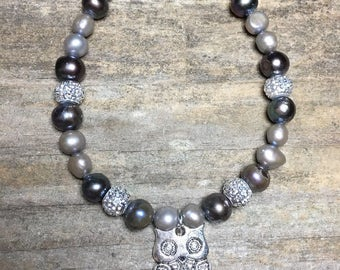 Pearl bracelet with glittery silver beads and silver owl charm, owl charm bracelet, under 20, gift for her, 7 inch bracelet, christmas gift,