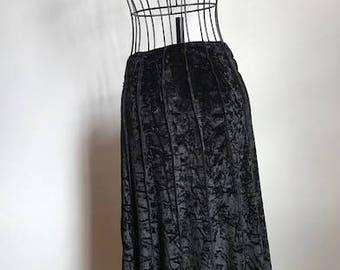 Vintage size 18 black velvet skirt