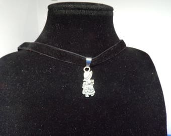 Crew neck with daughter charm