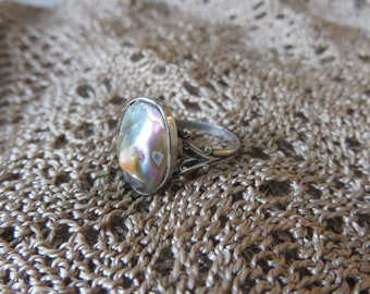 Vintage Sterling Silver Opalescent Abalone Shell Ring with Pretty Metal Work Size 6   #45