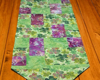 Splash of Shamrocks - St. Patrick's Day Table Runner