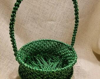 Handmade green macrame basket by TwistedandKnottyUS