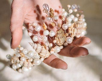 "Crown, tiara of freshwater pearls and shells ""Ariel"""