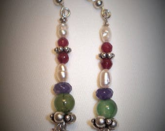 Earrings in sterling silver and natural stones.
