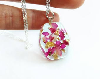 Real flower necklace for women Botanical jewelry Tearrarium jewelry Rose Resin necklace Nature lover gift for her Mothers day gift For mum