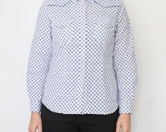 French Cowboy western shirt - women's pearl snap button up shirt for women - vintage white blue pattern print - girl provencal blouse size M