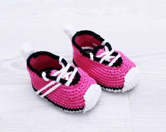 Crochet baby shoes Baby sneakers Baby booties Baby girl crochet Infant shoes Newborn baby Kids slippers Baby girl gift Crochet baby clothes