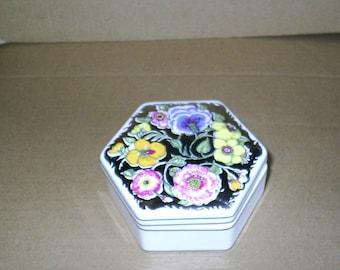 Wedgwood Susie Cooper Floral Lustre Hexagonal Box