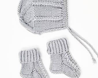 Baby hat and socks set