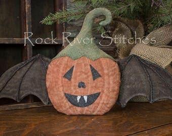 Primitive Halloween Pumpkin Bat, Folk Art Pumpkin, Halloween Decor, Pumpkin Wall Hanging, Primitive Bat, Autumn Home Decor