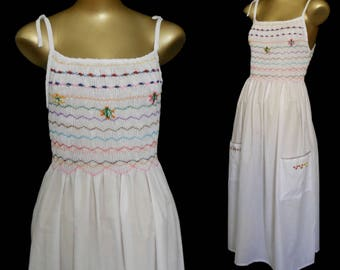 Vintage 90s Dress, 1990s White Cotton Embroidered and Smocked Sundress, Souvenir Ethnic Nicaragua, Size S Small