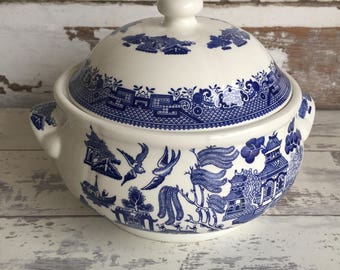 Vintage Blue Willow Covered Vegetable Dish Churchill China Tureen Bowl