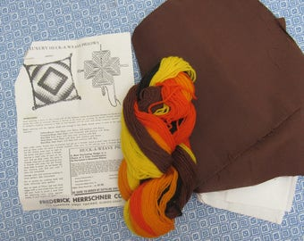 """Vintage Luxury Huck Weaving Pillow Kit """"Huck-a-Weaving"""" Herrschners Brown Cotton Wool Yarn with Instructions & Needle Red Orange Yellow"""