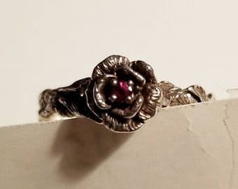 IHC Sterling Ring - Size 8-3/4 to 9 - Leaves Vines and Flowers - Red Stone