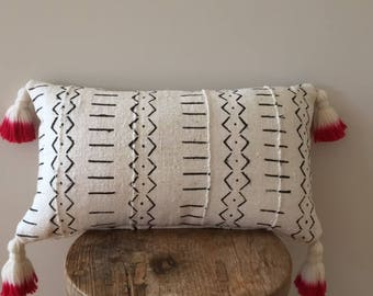 "African Mudcloth  pillow cushion cover 60cmx35cm ( 24""x14"") white with black tribal patterns and dip dyed tassels"