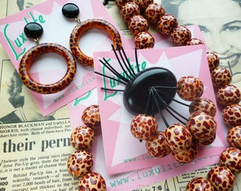Rrrraarrr!  1950s 60's style novelty leopard print mini collection - drop hoop earrings, brooch and necklace by Luxulite