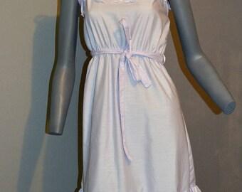 80s vintage halter dress by miss dira new york. Shoulder bow ties. ruffle trim. pastel lavender purple with eyelet s bust 34 36 elastic