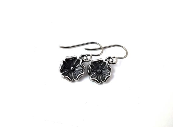 Small flower dangle earrings - Hypoallergenic pure titanium and stainless steel