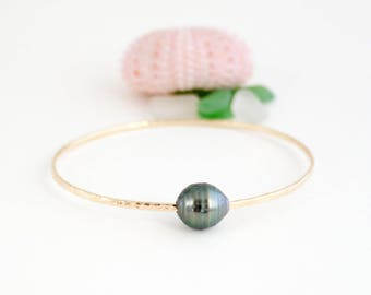 Simple Tahitian Pearl Bangle, Handmade, Stackable, Oval, 14k Gold Filled, Black Pearl, Simply Me Jewelry Black Pearl Bangle, SMJBR614