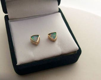 10ct gold solid opal trilliant stud earrings
