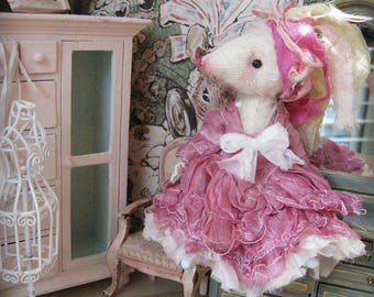 "Mouse Doll - ""Miss Cassie Grant"" - 5-6"" Tall - 1:12 Dollhouse Scale Fancy Rat Art Doll"