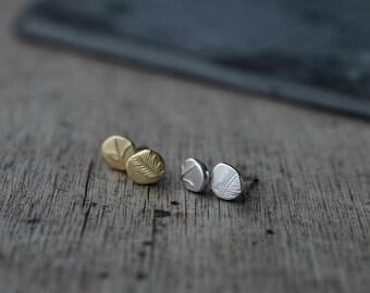 Keepsake Pebble Silver or 18kt gold-plated studs earrings