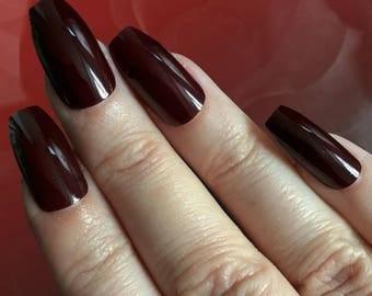Breite Fingernägel