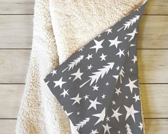 Winter Fleece Sherpa Throw Blanket // Modern Home Decor // Dorm Decor // Wish Upon A Star Design // Gray // Cozy // Christmas Decor // Stars