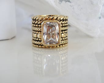 Large Gold Designer Cable White Crystal Quartz Dinner Cocktail Costume Jewelry HUGE Ring Size 9