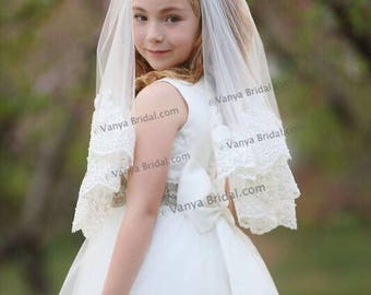 Communion veil in two layers with wide beaded lace edge for a child's first communion in waist length with many color options