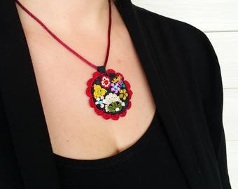 Free Shipping Crochet Circle Necklace, Modern Felt Necklace, Unique Design Necklace, Free Form Necklace, Under 25, Red