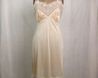 Vintage 1970s Vincent nylon Pink Blush Full Slip ~ Size 34 ~ Made in USA ~ Lace Trim