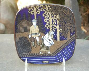 Annikka - Arabia of Finland 1990, Finnish Epic: the Kalevala, Annual Scandinavian Scenes / Folklore Plate by Raija Uosikkinen