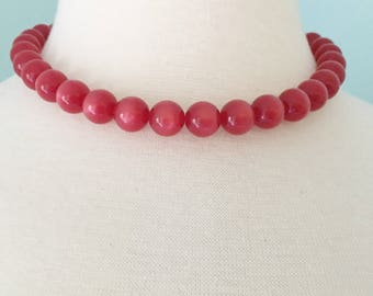 Red Beaded Necklace, Vintage Jewelry, Cherry Red Moon Glow Lucite Beads, Adjustable Moonglow Lucite Red Choker, Cute Vintage Choker Necklace