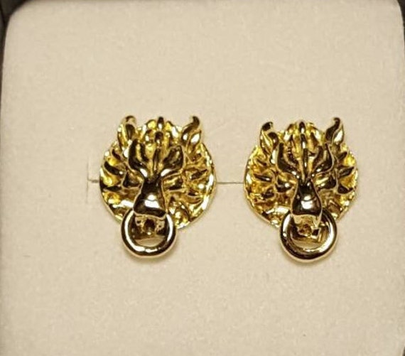 Cloud Strife Wolf Stud Earrings in Gold on order