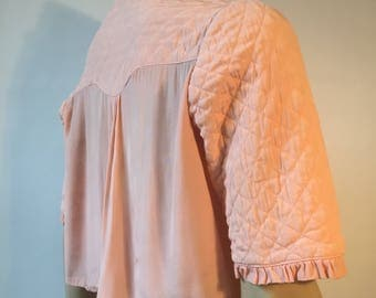 Sweet vintage peachy pink quilted bed jacket with chintzy floral crepe lining a/f