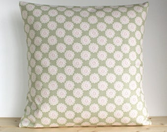 Floral pillow cover, Cottage Chic, 16x16 cushion cover - Vintage Daisy Sage