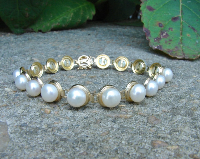 Estate 10K Gold Pearl Bracelet