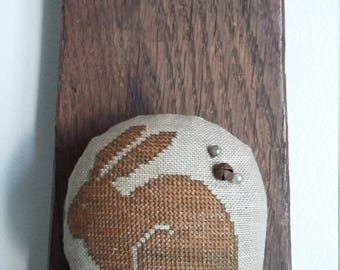 primitive stitch bunny zinc jar lid balsam fir pin cushion pin keep