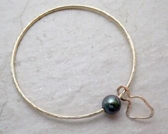Tahitian Pearl Bangle, Gold Hammered Bracelet, Maui Island Charm, Christmas Gift, Handmade Hawaii, Tropical Beach Jewelry, Genuine Pearls