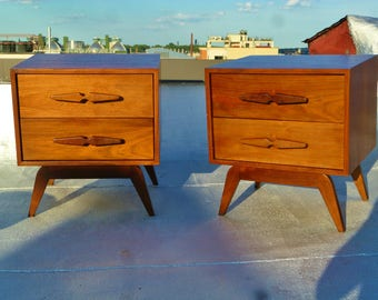 Pair of ATOMIC Boomerang Mid-Century Modern Nightstands by Stewartstown Furniture Company 1950s - USA